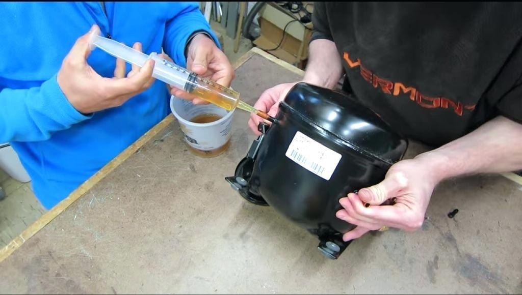 استفاده از روغن کمپرسور مناسب یخچال