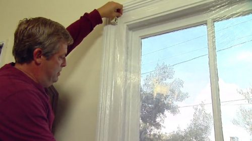 آموزش نحوه عایق کردن درب و پنجره با پلاستیک