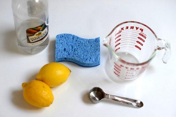 استفاده از لیموترش برای تمیز کردن مایکروویو