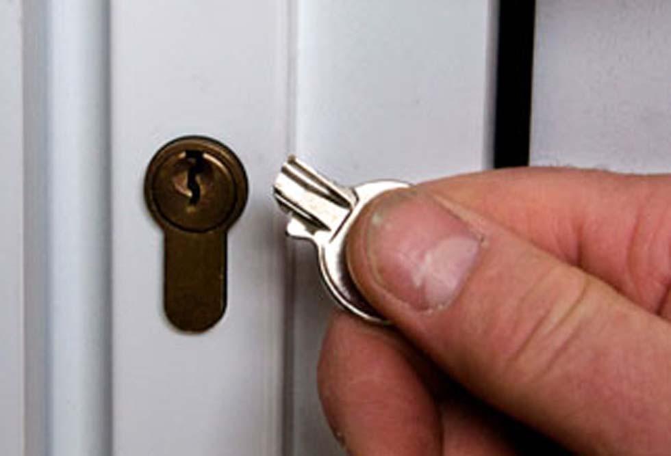 بیرون آوردن کلید شکسته در قفل