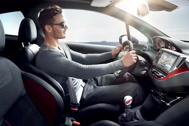 نحوه درست نشستن بر روی صندلی خودرو