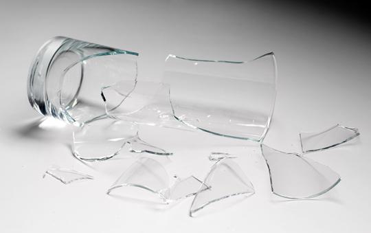 تفاوت شیشه معمولی و شیشه میرال