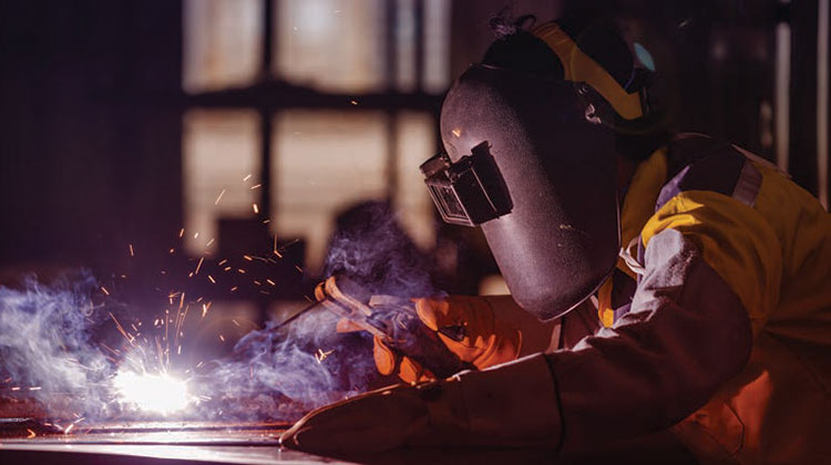 جوشکاری با الکترود دستی پوششدار (SMAW)