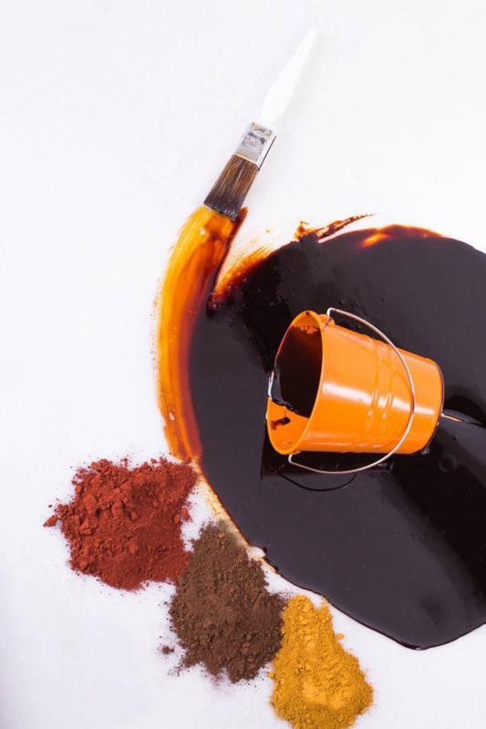 مقایسه هزینه اجراء رنگ های گیاهی مخصوص چوب با رنگ های سلولوزی