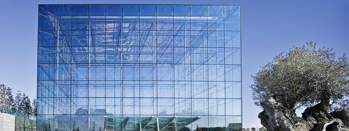 مزیت های استفاده از نمای شیشه اسپایدر