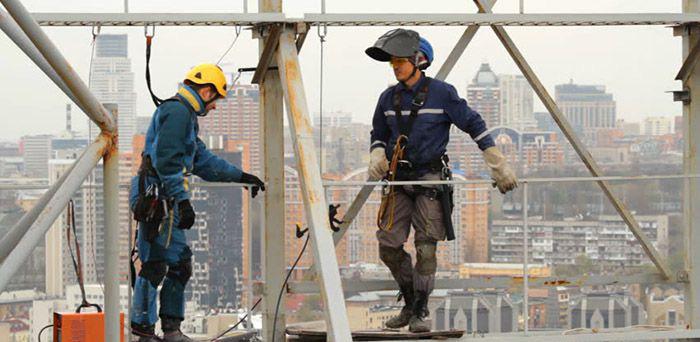 موقعیت های انجام عملیات در زمان کار در ارتفاع